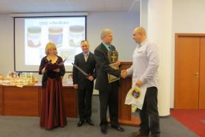 Генеральный директор компании Ричвэй  Румянцев Е.А. поздравляет Клуб МИРСПА с 10-ти летним юбилеем