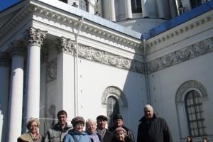 У Троицко-Измайловского собора