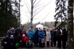 Участники экскурсии в Павловск, организованной Клубом здоровья МИРСПА