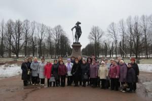 Экскурсия в Гатчину, у памятника Павлу-1, 2013 год