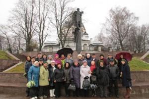 В Усть-Ижоре у памятника Александру Невскому